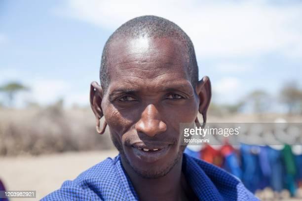 portrait of masai warrior - fotofojanini foto e immagini stock