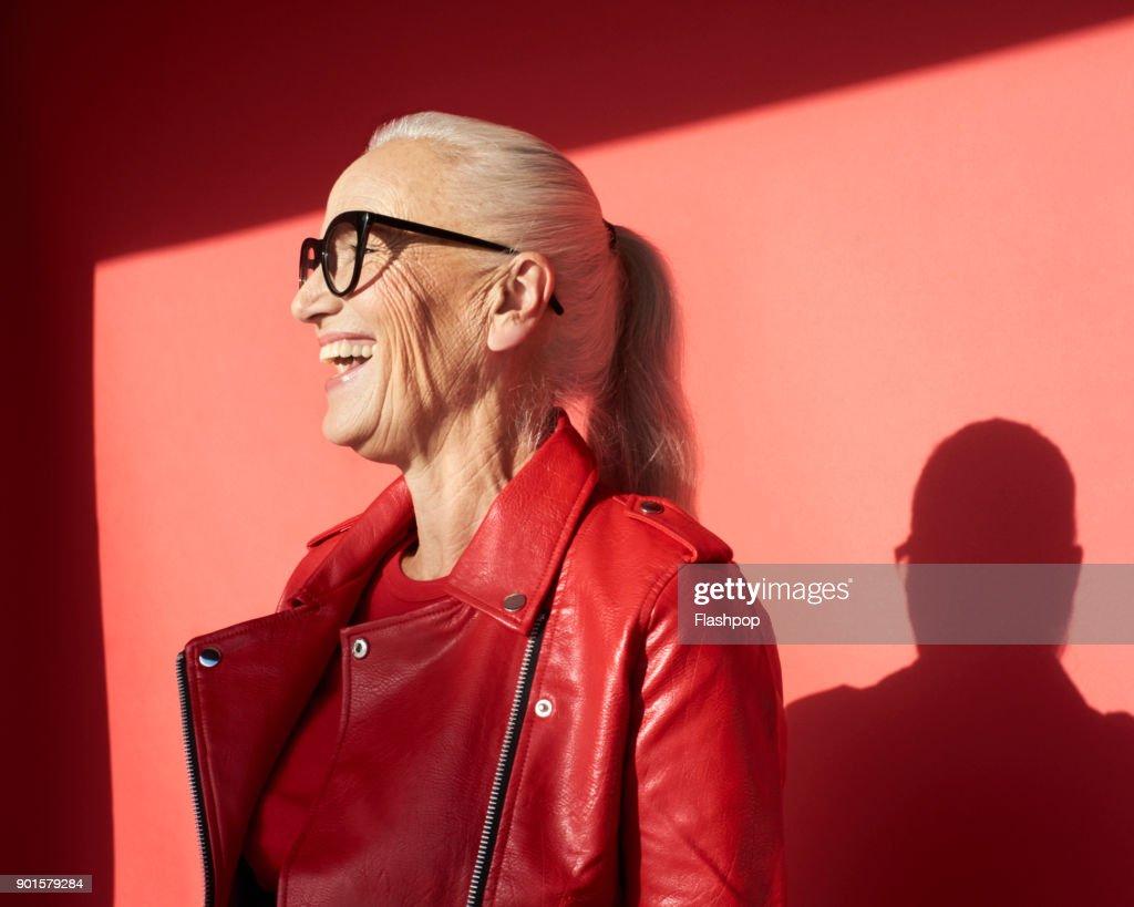 Portrait of mature woman laughing : Foto de stock