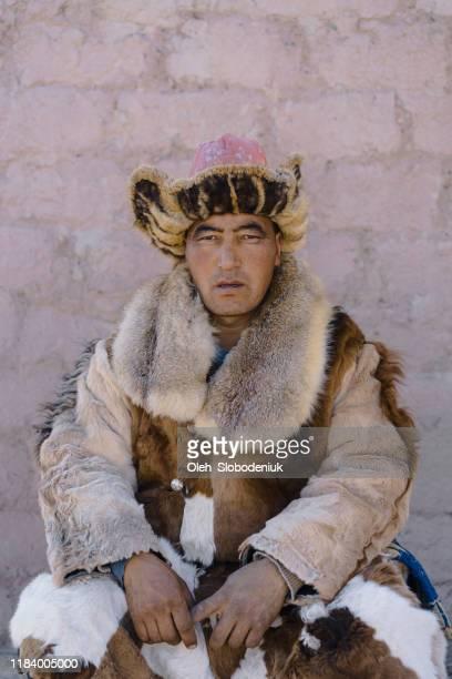 portrait of mongolian man - mongólia imagens e fotografias de stock