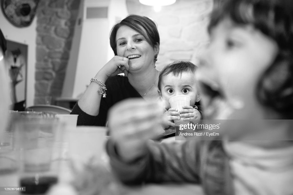 Portrait Of Mother And Daughter : Foto stock