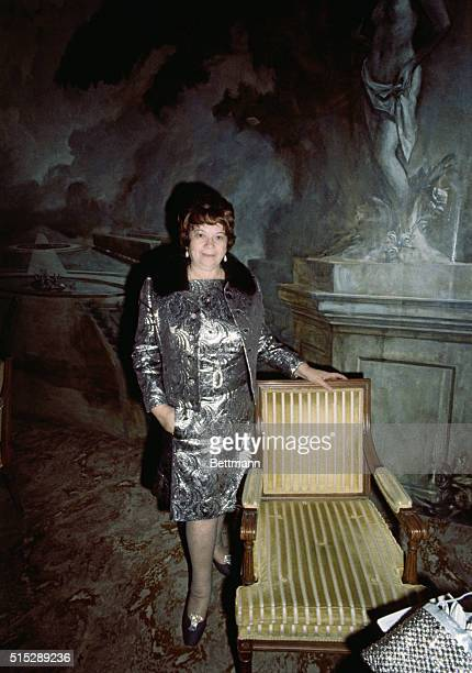 Portrait of Mrs Diana Kind at the Hotel Pierre