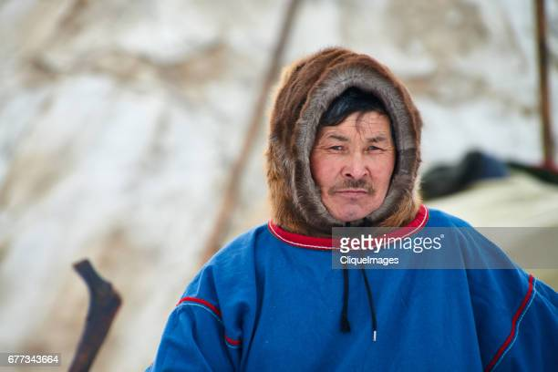 portrait of nenets man - cliqueimages stockfoto's en -beelden