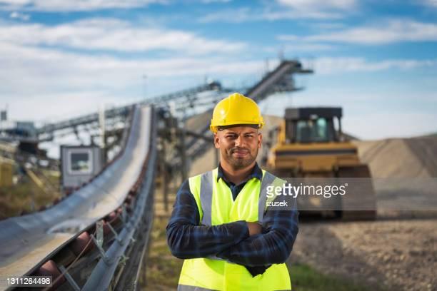 retrato del trabajador de la mina a cielo abierto - izusek fotografías e imágenes de stock