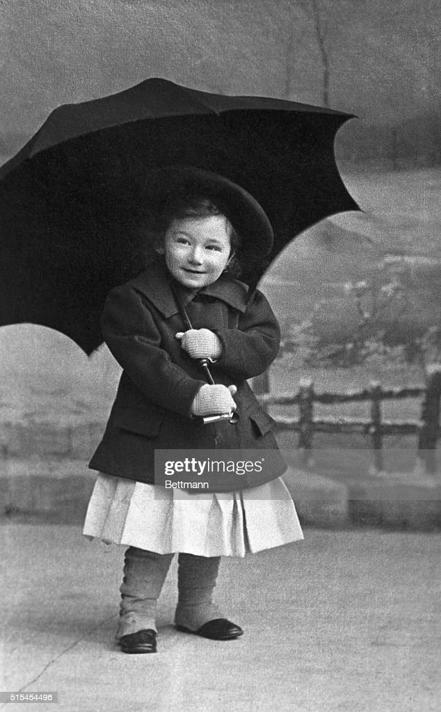 Portrait of Otto Bettmann- about 2 years of age, with an umbrella. Undated photograph. BPA2#5089