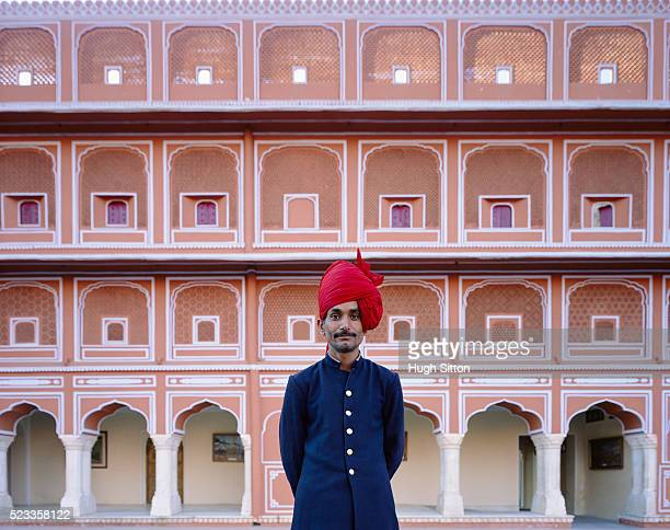 portrait of palace guard - hugh sitton stock-fotos und bilder