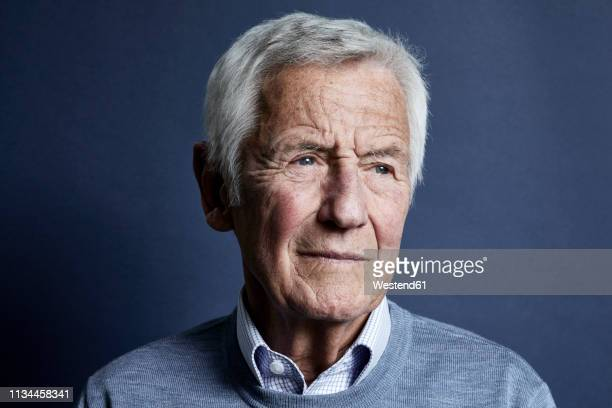 portrait of pensive senior man - 80 89 years stock pictures, royalty-free photos & images