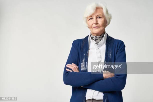 Porträt von nachdenklich senior Frau