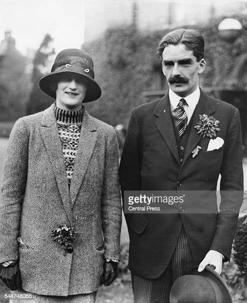 Portrait of Prime Minister Anthony Eden and his wife Beatrice Beckett outdoors 1923