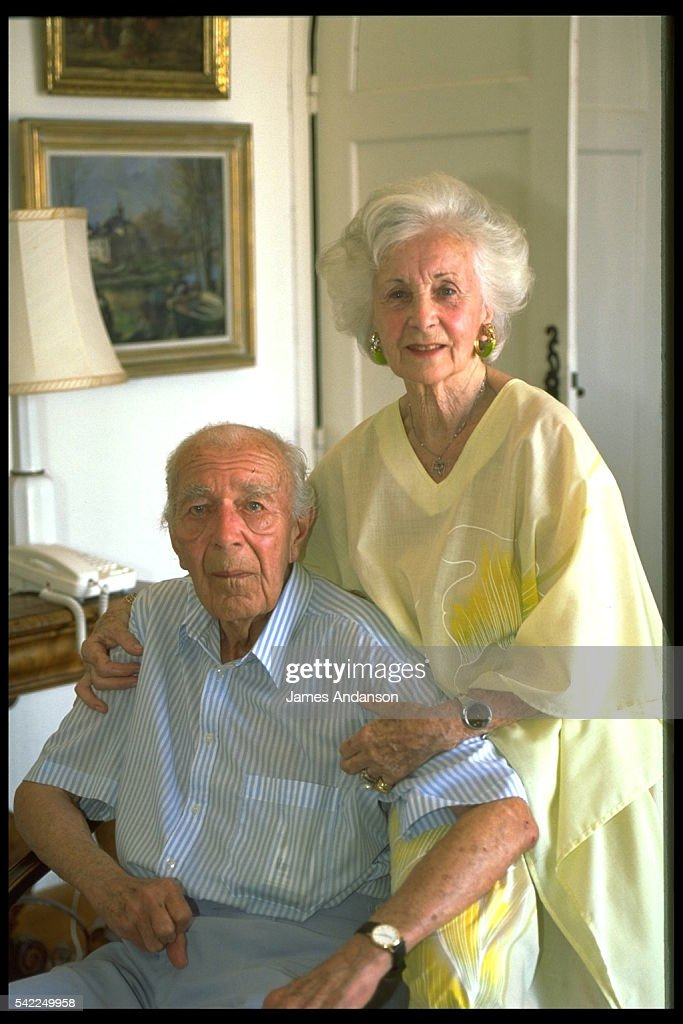 BERTIL AND LILIAN OF SWEDEN HOLIDAY IN STE-MAXIME : News Photo