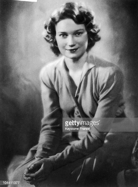 Portrait of Princess JOSEPHINECHARLOTTE of Belgium around 1950 She obtains the title of GrandDuchess of Luxembourg in 1953 through her marriage to...