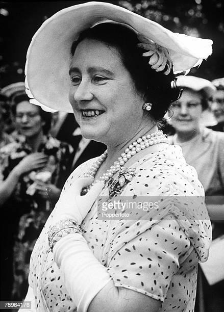 Portrait of Queen Elizabeth smiling 12th July 1955