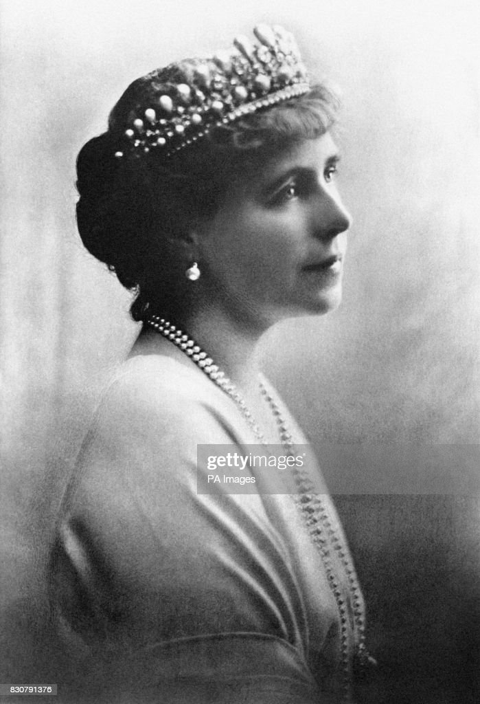 A portrait of Queen Marie of Romania c1916. Queen Marie was one of the most admired beauties of the European royal families in the early 20th century. A capable woman, she all but ran the Romanian government during the First World War.