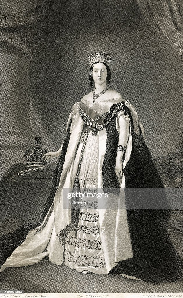 Full Length Portrait Of Queen Victoria : News Photo