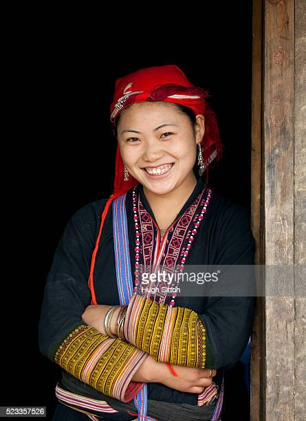 portrait of red zao tribeswoman. sapa. vietnam. - hugh sitton stock pictures, royalty-free photos & images