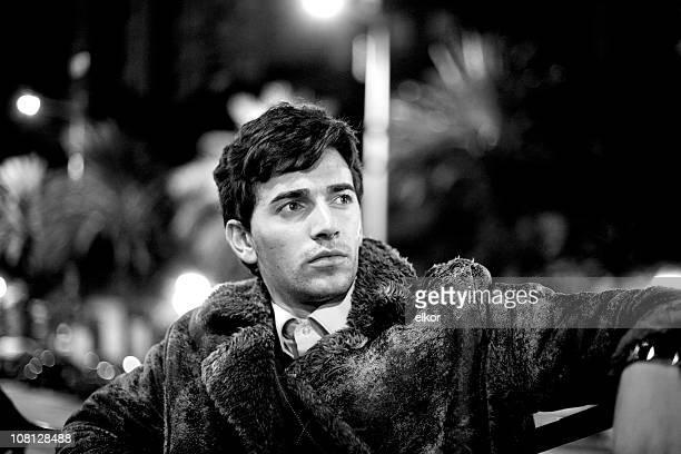 porträt retro styled mann, vintage schwarz und weiß - aktmodell mann stock-fotos und bilder