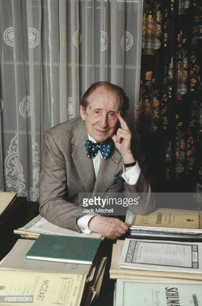 Portrait of Russian-American pianist and composer Vladimir Horowitz in his home, New York, New York, 1988.