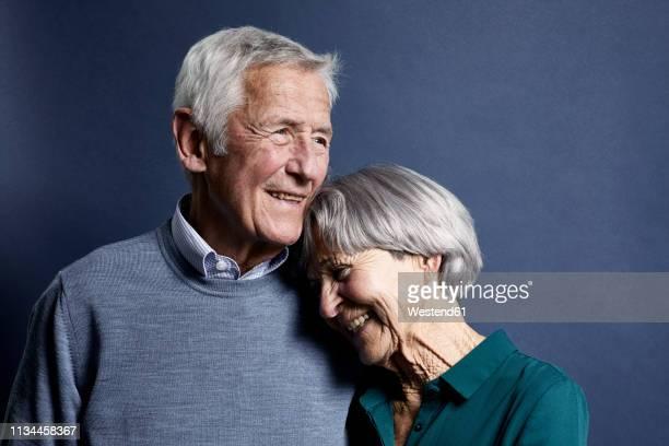 portrait of senior couple - coppia anziana foto e immagini stock