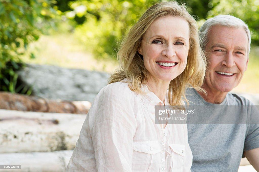Portrait of senior couple : ストックフォト