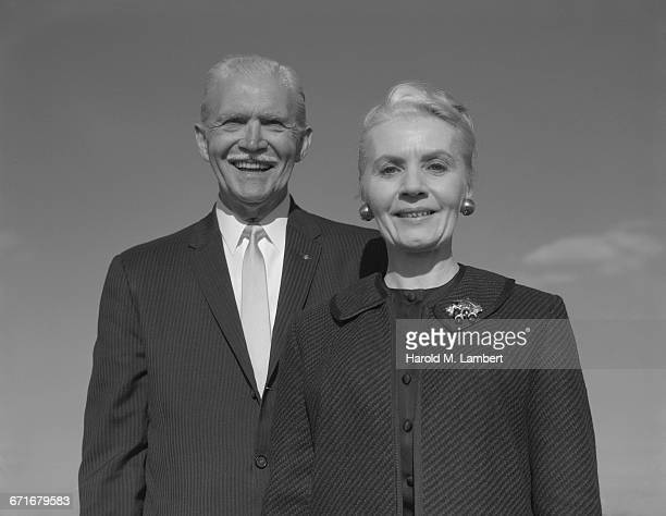portrait of senior man and woman - {{relatedsearchurl(carousel.phrase)}} ストックフォトと画像