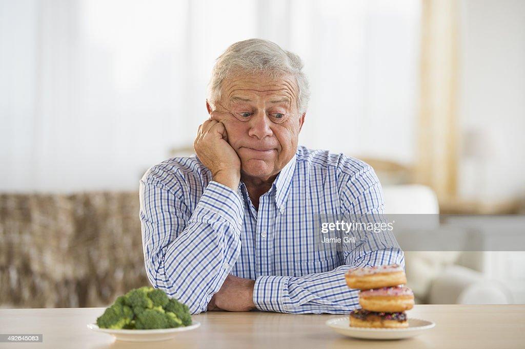 Причины резкого похудения у пожилых