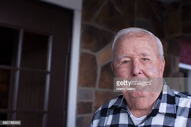 portrait of senior man, smiling - 90 plus years stock pictures, royalty-free photos & images