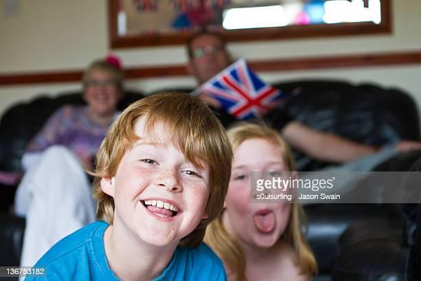 portrait of sibling - s0ulsurfing stockfoto's en -beelden