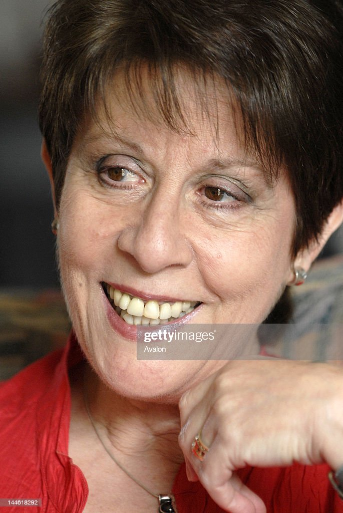 Portrait of singer Helen Shapiro photographed at home in March 2007. Job No: 36658 Ref: PRN -