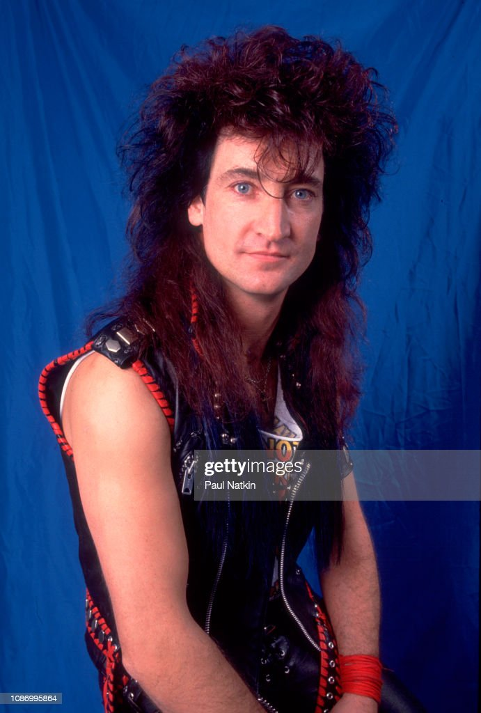 POPUHITS SEMANAL!! - Página 26 Portrait-of-singer-robin-mcauley-of-the-mcauley-schenker-group-at-the-picture-id1086995864