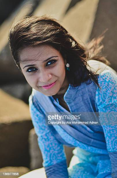 portrait of smiling girl - bangladeshi beautiful girl stock photos and pictures