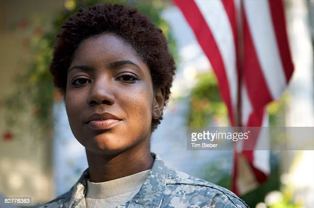 portrait of soldier in uniform  - personale militare foto e immagini stock