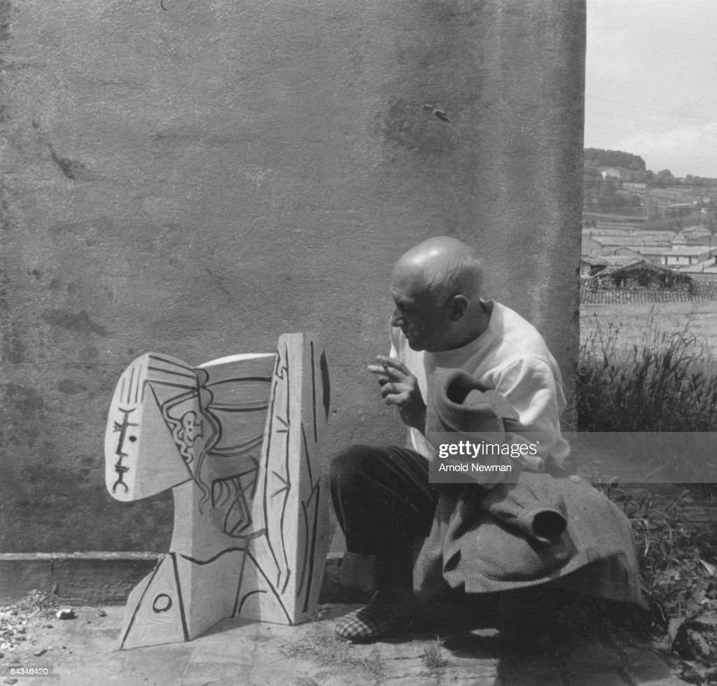 c860c92b027c Portrait of Spanish artist Pablo Picasso with a sheet metal ...