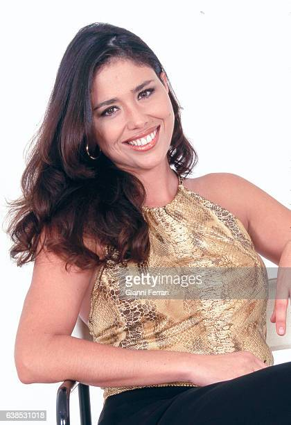A portrait of Spanish TV presenter Minerva Piquero 5th December 2000 Madrid Spain