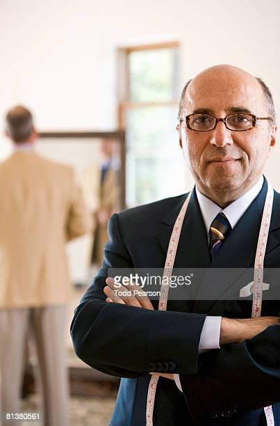 portrait of tailor in dark suit - tailor - fotografias e filmes do acervo