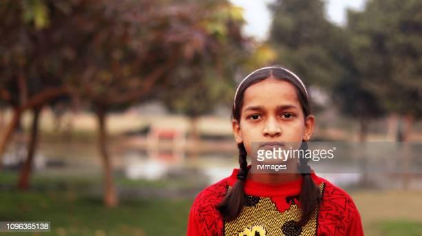 porträtt av tonårsflicka - utvecklingsland bildbanksfoton och bilder