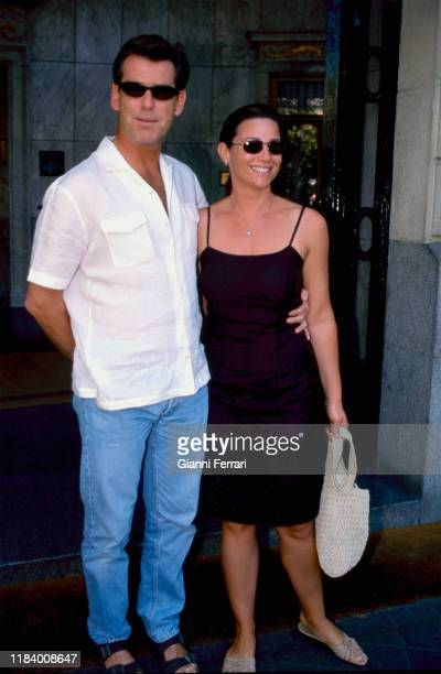 Portrait of the American actor Pierce Brosnam with his wife Cassandra Harris, Madrid, Spain, 1991. .