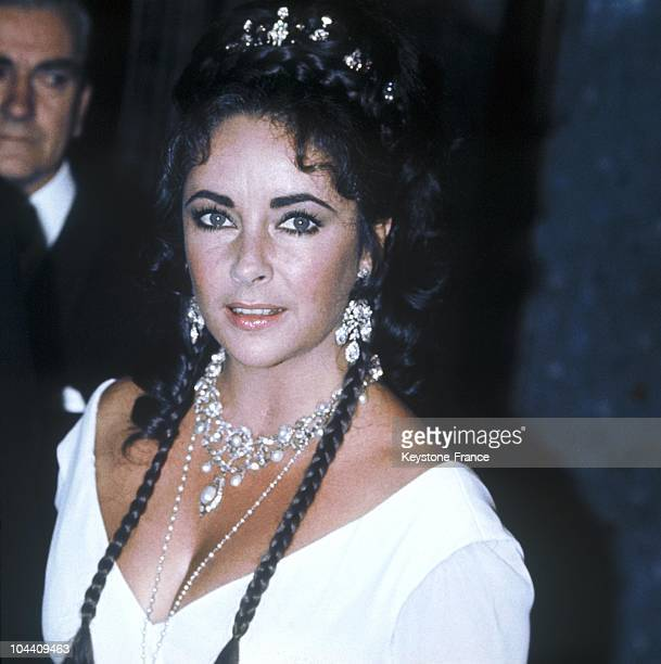 Portrait of the American actress Elizabeth TAYLOR in 1969 when playing in her husband Richard BURTON's film STAIRCASE