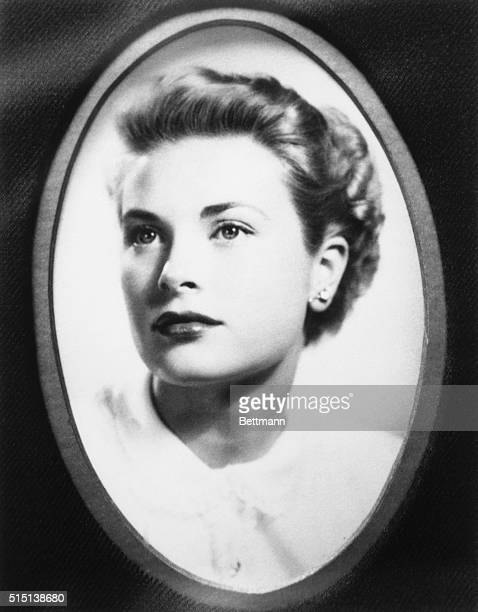 Portrait of the beautiful model and actress Grace Kelly as she graduated from the American Academy of Dramatic Arts.