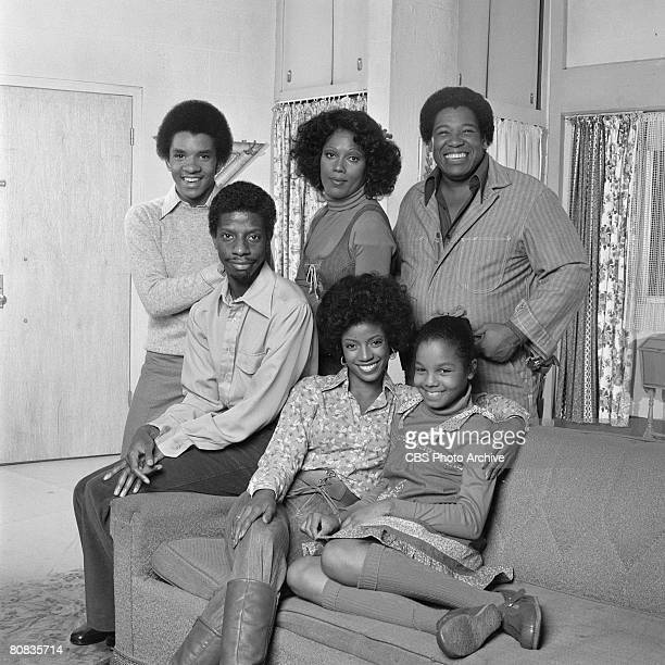 Portrait of the cast of the television show 'Good Times' Los Angeles California September 29 1977 Pictured are front row American actors Jimmie...