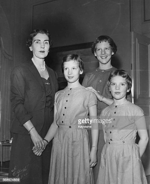 Portrait of the Danish Royal Family Queen Ingrid with her daughters Princess Benedikte Princess Margrethe and Princess AnneMarie at the Royal Palace...