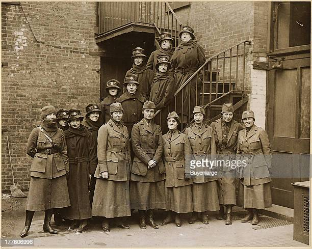 Portrait of the first contingent of the Women's Overseas Hospitals supported by the National American Woman Suffrage Association