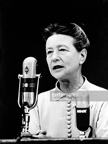 Portrait of the French writer Simone DE BEAUVOIR during a conference in Japan in September 1966