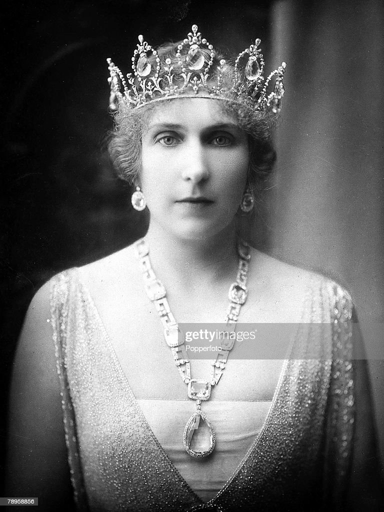 A Portrait of the Queen of Spain. : News Photo