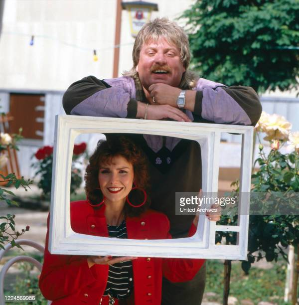 Portrait of the singer Klaus Baumgart from the singing duo Klaus Klaus with his wife Ilona SchulzBaumgart in a television frame Germany circa 1979