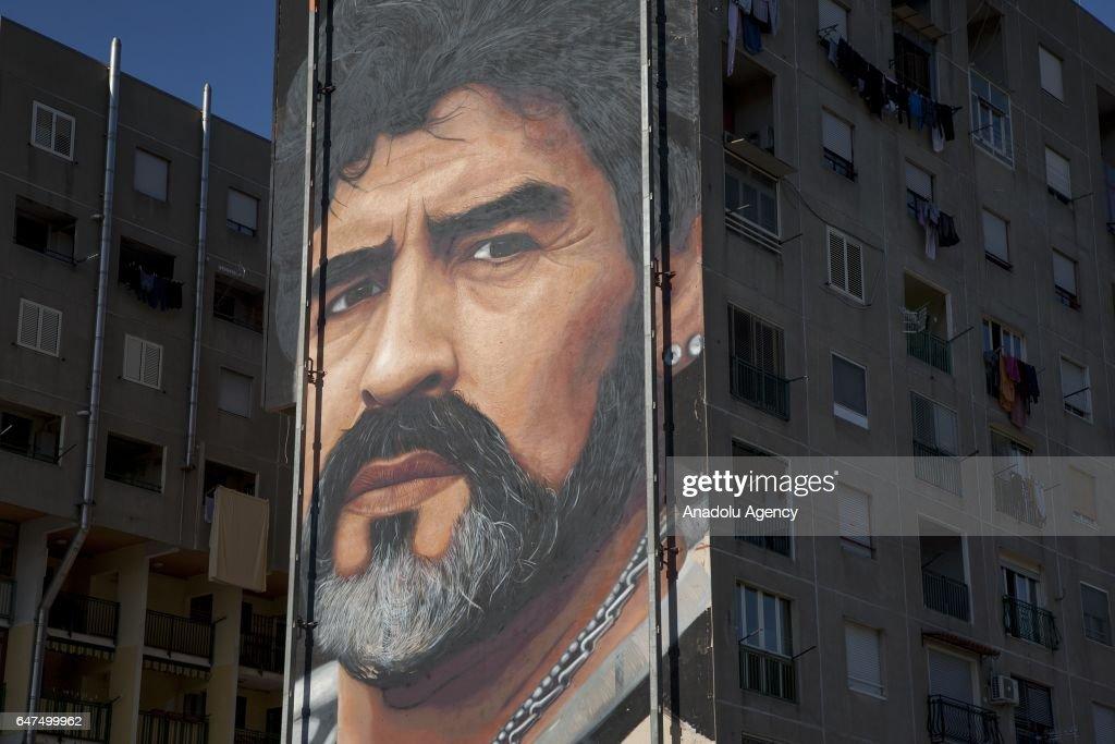 Biggest mural of Diego Armando Maradona in Naples : Foto di attualità