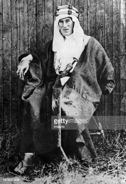 a biography of thomas edward lawrence Edward thomas (1878-1917)  david herbert lawrence (1885-1930)  british counsil biography ian watson (1943- ) john banville.
