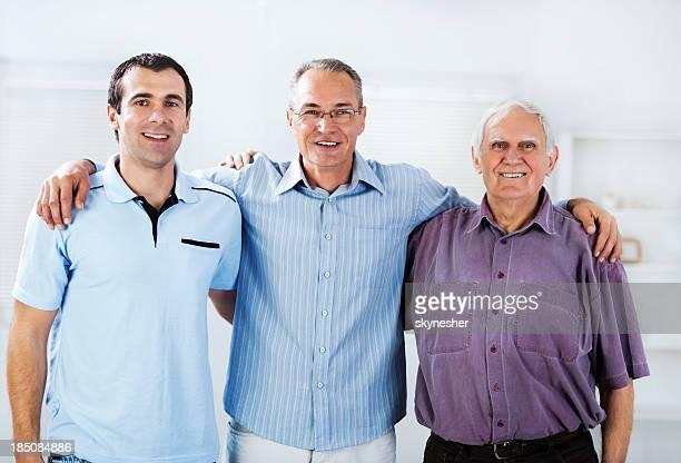 Porträt von drei Generationen male