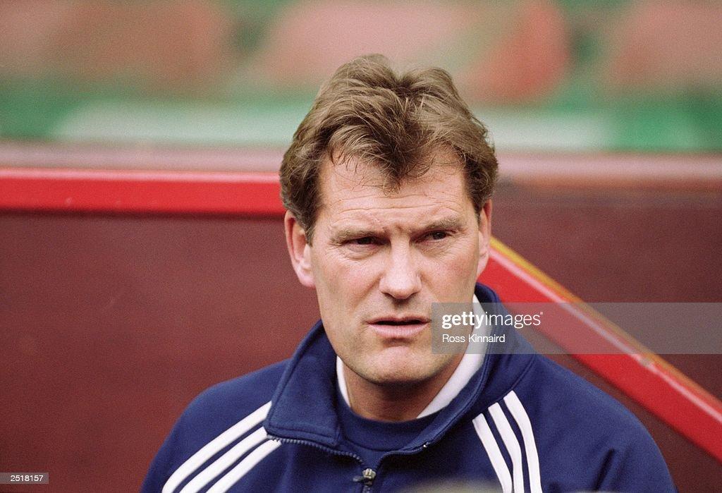 FILE PHOTO Tottenham Hotspur and Glenn Hoddle Part Company : News Photo