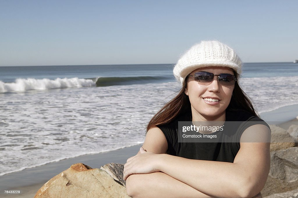 Portrait of woman at beach : Stockfoto