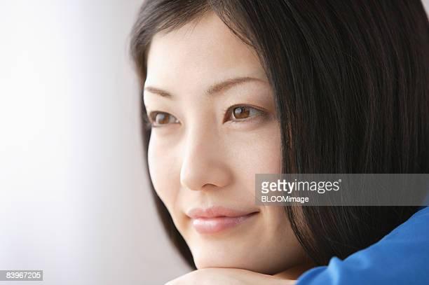 portrait of woman, close up, looking away - 見つめる ストックフォトと画像