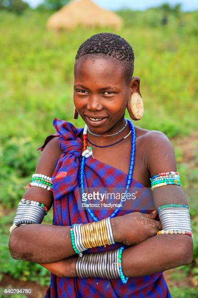 portrait of woman from mursi tribe, ethiopia, africa - mursi tribe stock pictures, royalty-free photos & images